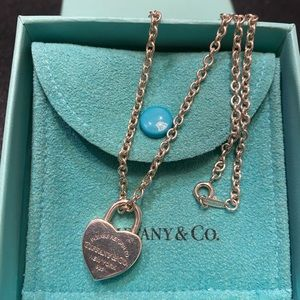 Auth Tiffany & Co. heart lock charm thick necklace